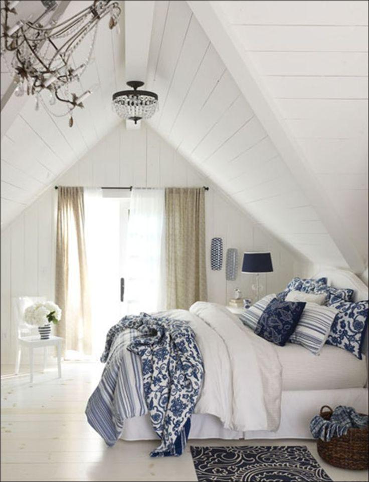 Námořnická modrá a bílá ložnice