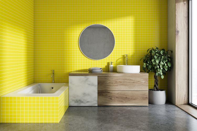 Žlutá vana a stěny