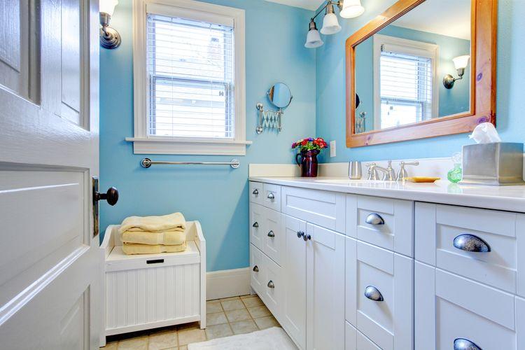 Jemná modrá v koupelně