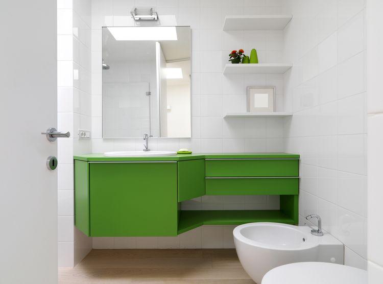 Zelená koupelnová skříňka