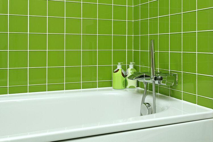 Zelené obkládačky na stěnách