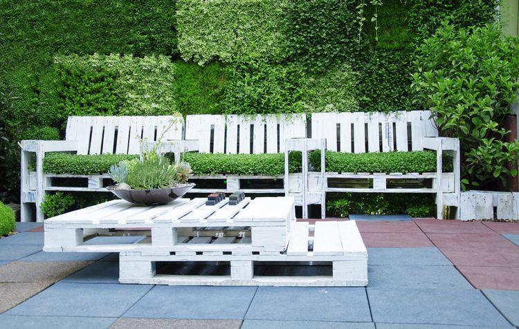 Zahradní paletové sezení