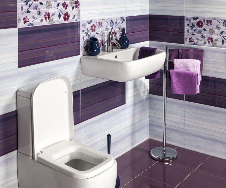 Koupelna laděna do fialova