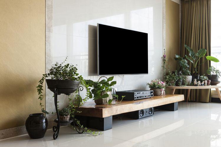 Jednoduchá skříňka pod TV