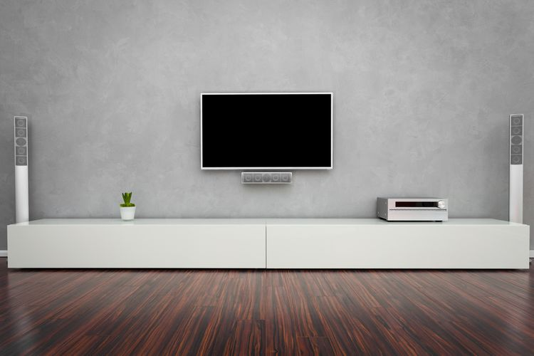 Bílá skříňka pod TV