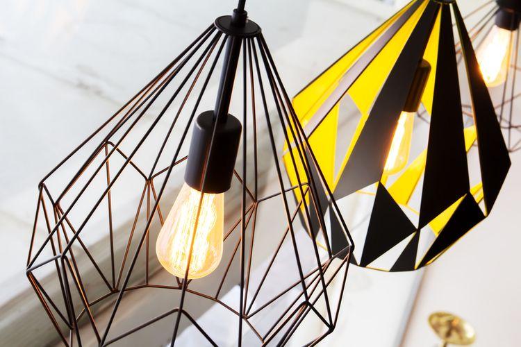 Černé wire lampy