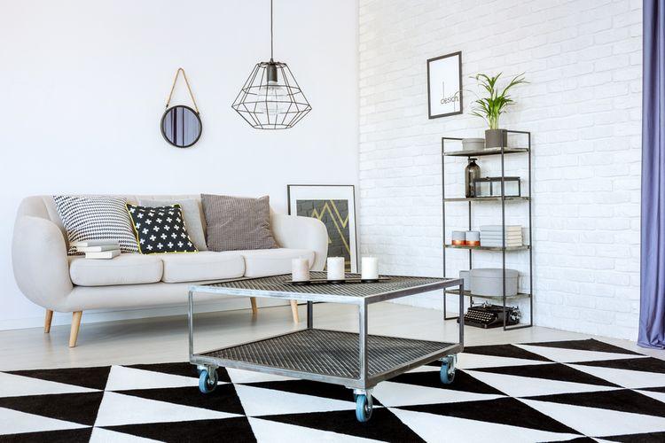 Wire lampa v obývacím pokoji