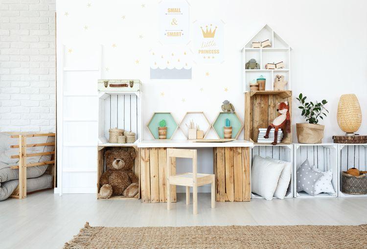 Jednoduchý dětský pokoj pro dívku