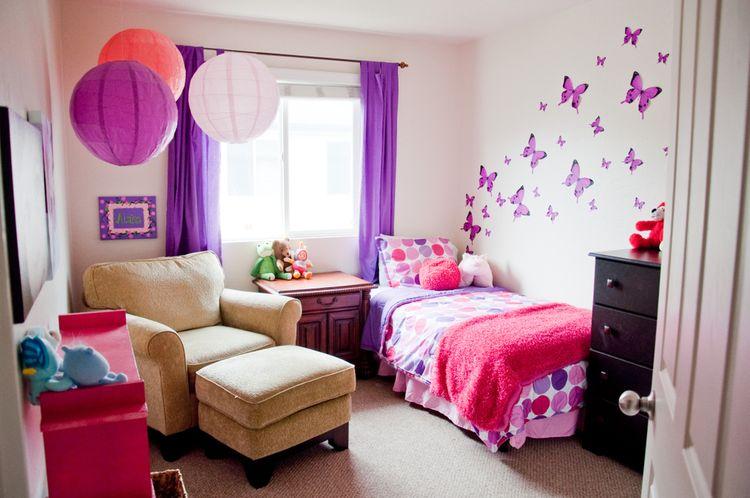 Ružovo-fialová detská izba