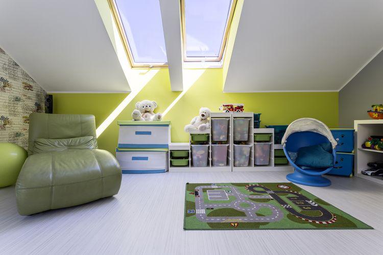 Zelený dětský pokoj v podkroví