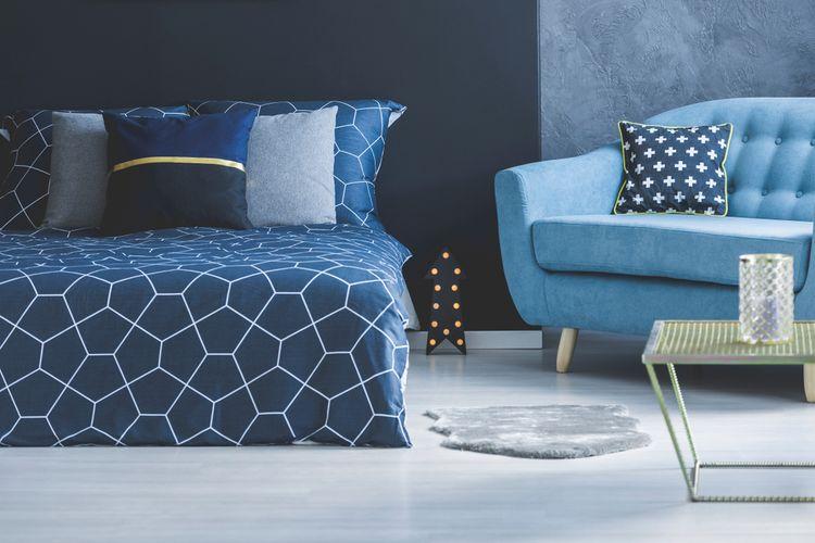Ložnice laděná do modra
