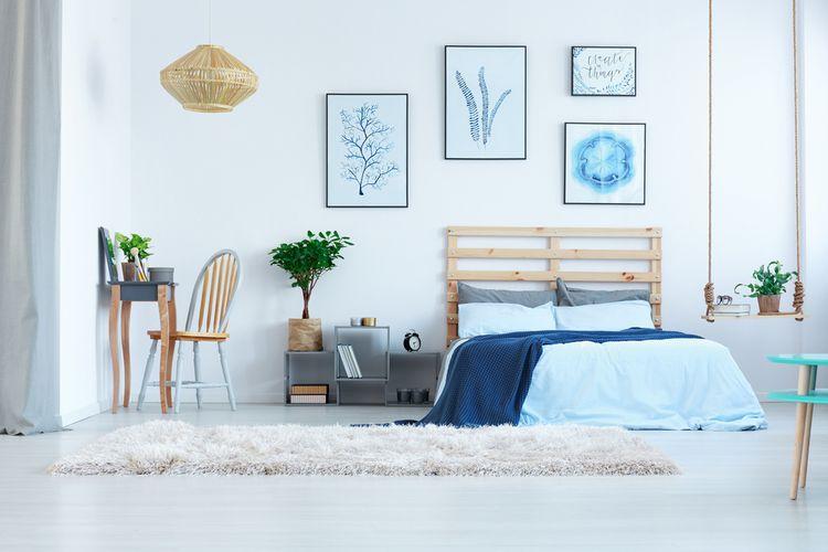 Ložnice s modrými detaily