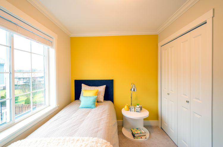 Moderní žlutá ložnice