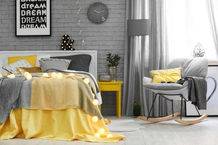 Šedo-žlutá ložnice