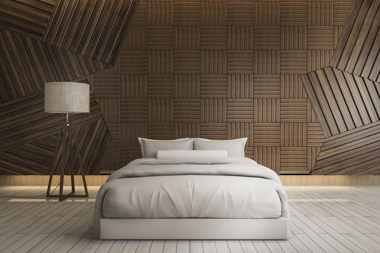 Ložnice s hnědou stěnou