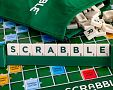Slovenská verze hry Scrabble Original přináší hodiny zábavy pro každého