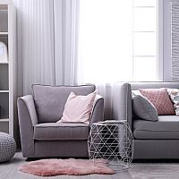 Šedý obývací pokoj - hodí se do každého bytu