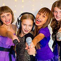 Kompletní set karaoke pro děti je výborným dárkem pro malé zpěváky