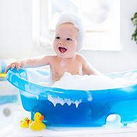 Dětská vanička nebo koupací kbelík? Poradíme vám, jak koupat děťátko!