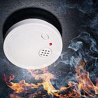 Jak vybrat detektor dýmu, plynu, vody nebo CO? Nejlepší domácí hlásiče požáru podle testů mají i wifi