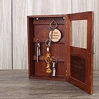 Skříňka na klíče – bílá a dřevěná pro dokonalý vintage styl