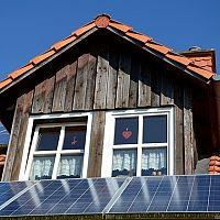Solární panely na dům, chatu i bazén. Všechno, co potřebujete vědět