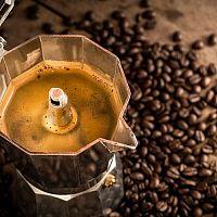 Nejlepší elektrické moka kávovary i na indukci. Jak si vybrat?