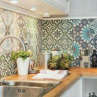 Obklady za kuchyňskou linkou a kuchyňské zástěny