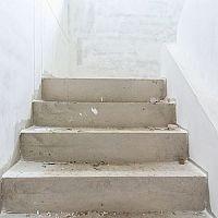 Stavíme schody – jaká je správná výška a šířka schodů