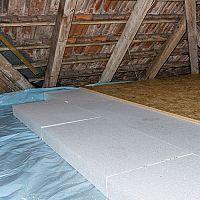 Zateplení podlahy ve starém domě? Nejčastěji styrodurem (polystyrenem)