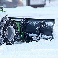 Jakou sněhovou frézu? Elektrickou, nebo jednostupňovou či dvojstupňovú benzínovou?