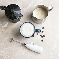 Automatický, nebo ruční napěňovač mléka? Nejlepší značky podle recenzí jsou Tescoma, Orava či Sencor