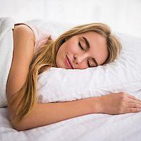 Špaldové a pohankové polštáře pro zdravější spánek