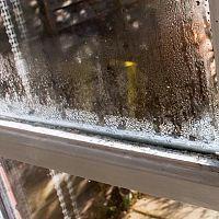 Jak zabránit rosení oken. Co dělat, aby se okna nerosila