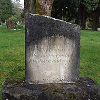 Jak vyčistit náhrobní kámen?