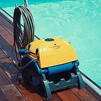 Nejlepší bazénový vysavač? Zander, Dolphin, Interx, nebo Reactions?
