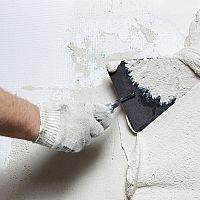 Druhy omítek do interiéru – sádrová, vápenno-cementová, hliněná, sanační