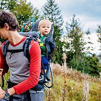 Jak vybrat nejlepší dětský turistický nosič? Hlavně ergonomický, který má dobré recenze