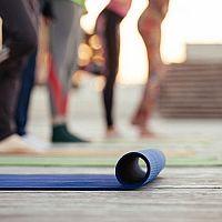Jak si vybrat nejlepší karimatku na cvičení, na jógu nebo do hor?