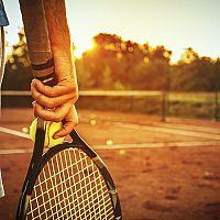 Jak vybrat tenisovou raketu pro začátečníka, juniora nebo pokročilého hráče?