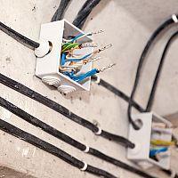Výměna elektrických rozvodů v bytě, domě, bytovém domě. Jaká je cena, je třeba povolení?