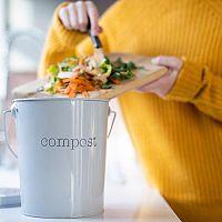Co patří a nepatří do kompostu – pravidla kompostování v bytě a na zahradě