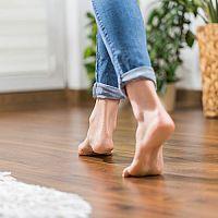 Elektrické nebo teplovodní podlahové topení do domu? Výhody, nevýhody a porovnání nákladů