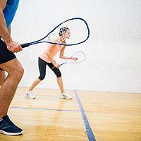 Jak vybrat vybavení na squash? Správná squashová raketa je základ!