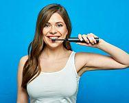 Nejlepší elektrické zubní kartáčky jsou sonické, tvrdí recenze i testy
