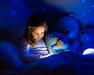 Fosforeskující malůvka: Barvy svítící ve tmě si zamilujete!