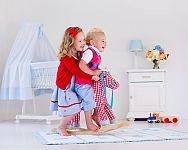 Dřevěný houpací koník, kohout nebo plyšový macek? Houpací zvířátka pro děti potěší každou ratolest!