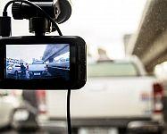 Nejlepší kamera do auta s GPS a nočním viděním? Xiaomi i Prestigio Roadrunner 140