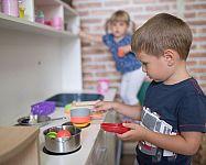 Dřevěné dětské kuchyňky pro děti? Nejlevnější jsou plastové