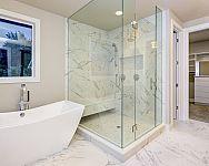 Vanička nebo sprchový žlab? Sprchový kout bez vaničky působí moderně